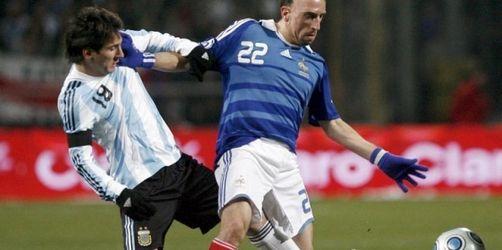 Spanien und Argentinien stark - Beckham-Rekord