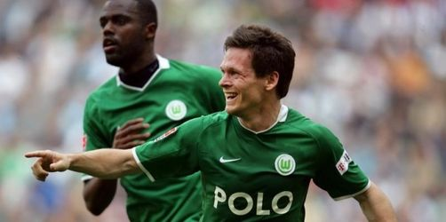 Wolfsburg baut Führung aus, Klinsmann kämpferisch