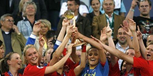 Fußball-Frauen des FCR Duisburg UEFA-Cup-Sieger