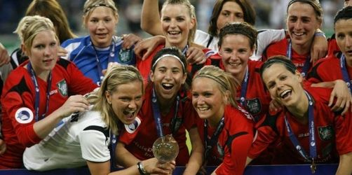 FCR Duisburg feiert lange UEFA-Cup-Nacht