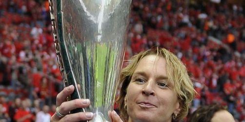FCR Duisburg feiert Double - Coach Voss kritisch