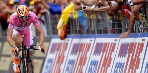 Mentschow gewinnt 92. Giro trotz Sturz