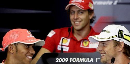 Schumacher (noch) nicht da, aber in aller Munde