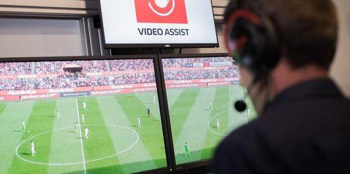 Fußball-Regelhüter wollen an Videobeweis festhalten