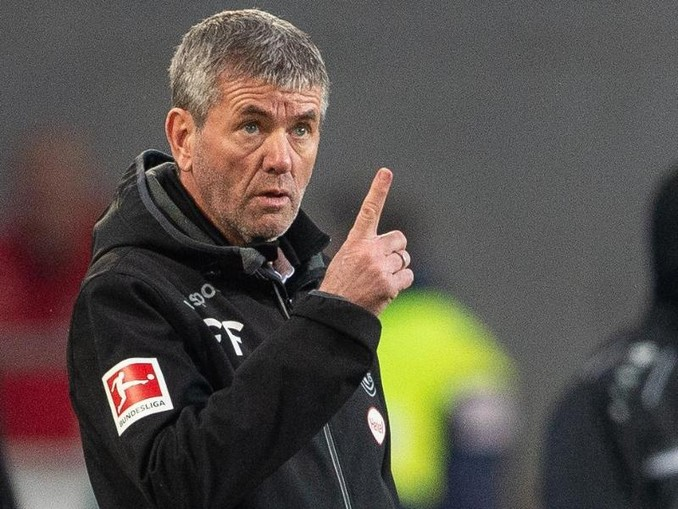 Trainer Friedhelm Funkel muss am Saisonende in Düsseldorf gehen.