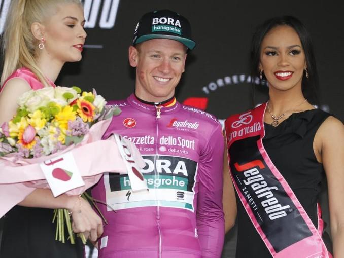 Im Regen von Terracina feiert Pascal Ackermann seinen zweiten Etappensieg beim 102. Giro d'Italia. /Lapresse via ZUMA Press