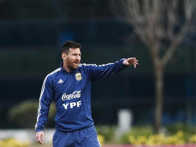 Lionel Messi beim Training der argentinischen Nationalmannschaft der Copa América. /AP