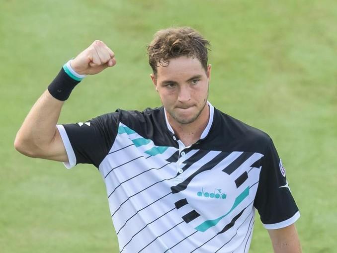 Jan-Lennard Struff steht nach dem Sieg über den Serben Miomir Kecmanovic in Stuttgart im Viertelfinale.