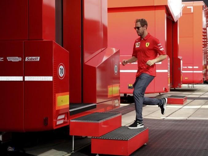 Auf dem Sprung in Silverstone: Sebastian Vettel. /AP