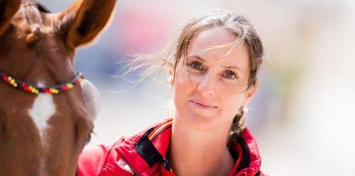 Springreiter-Team mit Weltmeisterin Blum will Medaille
