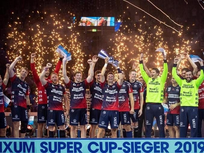 Die SG Flensburg-Handewitt holte den ersten Titel der Saison.