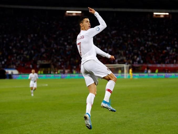 Portugals Star Cristiano Ronaldo erzielte vier Treffer gegen die Serben. /XinHua