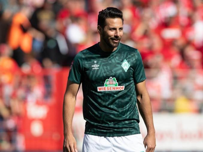 Bremens Claudio Pizarro könnte bei einem Einsatz gegen Leipzig einen weiteren Rekord knacken.