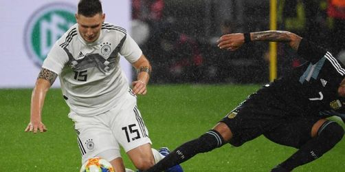 Augsburg-Manager Reuter äußert sich zur Situation um Süle