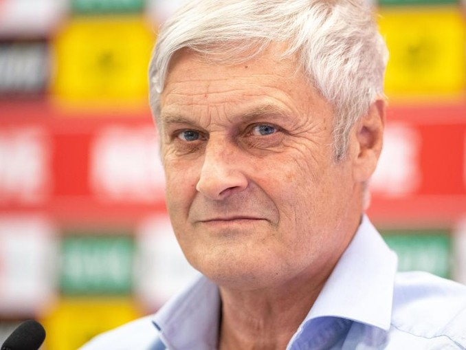 Hat seinen Vertrag mit dem 1. FC Köln zum sofortigen Zeitpunkt aufgelöst:Sportchef Armin Veh. /dpa