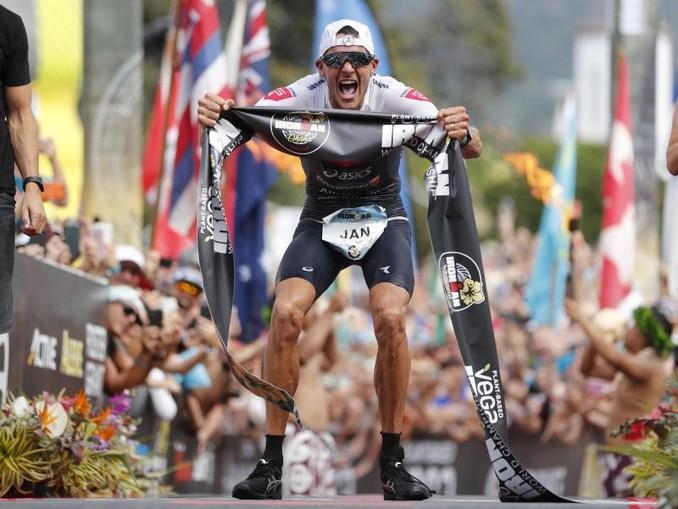 Außerhalb vom Triathlon kann er sehr gut verlieren: Jan Frodeno. /AP/dpa