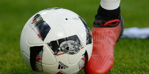 Wolfsburger Fußball-Frauen besiegen FC Bayern im DFB-Pokal