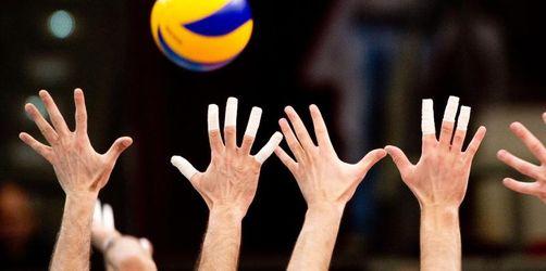 Berlin Volleys ins Pokalfinale: Düren bezwingt Rottenburg