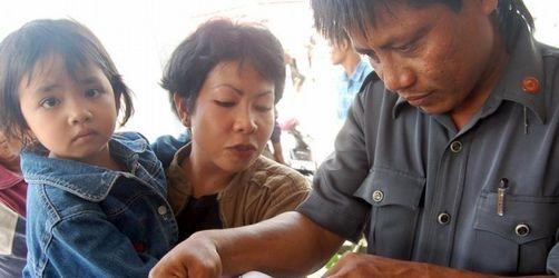 Fährunglück vor Borneo - 240 Menschen vermisst