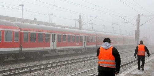 Regionalzug mit 500 Reisenden an Bord fängt Feuer
