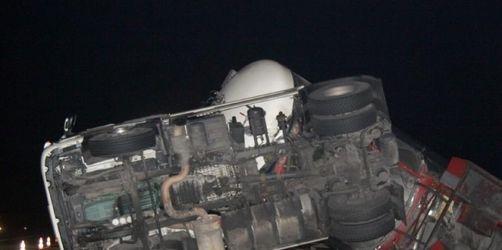 Betrunkener Lkw-Fahrer auf A 5 tödlich verunglückt