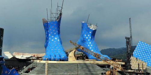 Bregenzer Festspiele: Riesenfüße für «Aida»