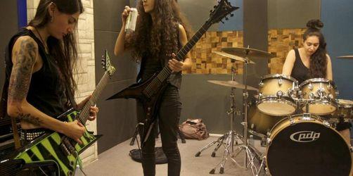 Weibliche Metal-Band mischt Musikszene auf