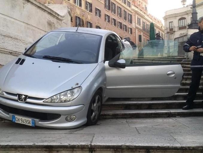 Das Auto wurde beschlagnahmt. Foto: Polizia Locale di Roma Capitale