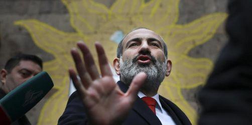 Hoffnungsträger: Armenier machen Paschinjan zum Wahlsieger