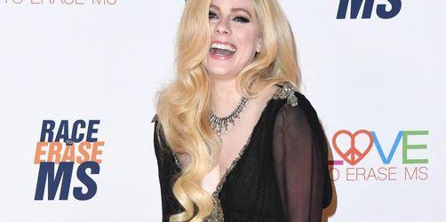 Avril Lavigne will Borreliose-Patienten helfen