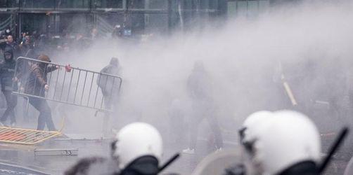 Gewalt bei rechter Demo gegen Migrationspakt in Brüssel