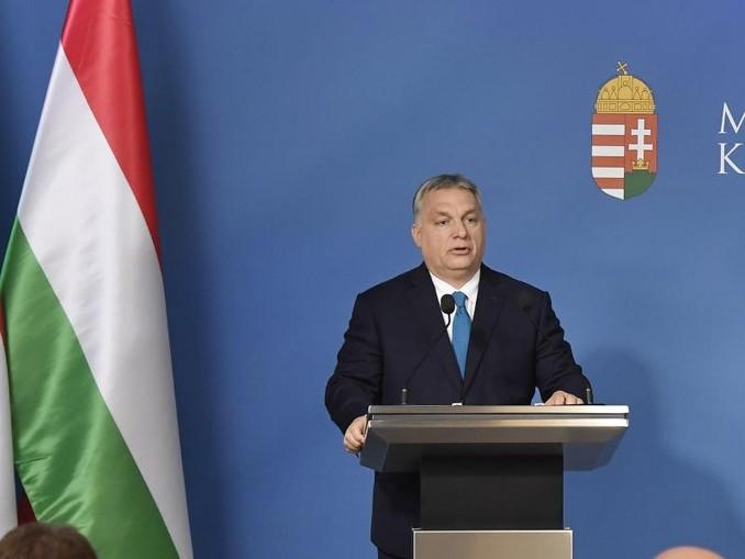 Ministerpräsident Viktor Orban bei einer Pressekonferenz in Budapest. /MTI/AP