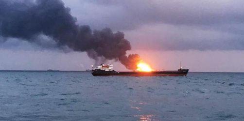 Mindestens zehn Tote bei Schiffsbrand
