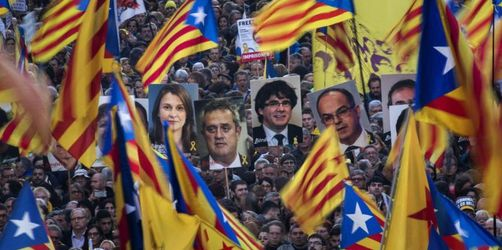 Massenprotest gegen Prozess gegen katalanische Separatisten