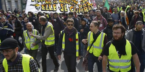 Zehntausende bei «Gelbwesten»-Protesten in Frankreich