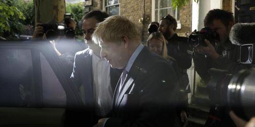 Wettlauf um die Downing Street: Johnson muss aus der Deckung