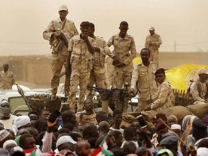 Im April wurde Langzeit-Präsident Omar al-Baschir vom Militär gestürzt. Dem Putsch waren monatelange Massenproteste vorausgegangen. /AP