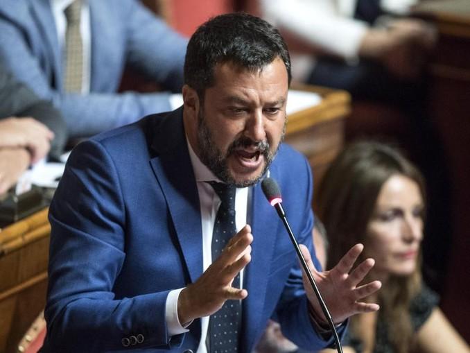 Der italienische Innenminister MatteoSalvini hält in der Regierungskrise an einemMisstrauensvotum gegen Regierungschef Giuseppe Conte fest. Foto: Roberto Monaldo/LaPresse via ZUMA Press