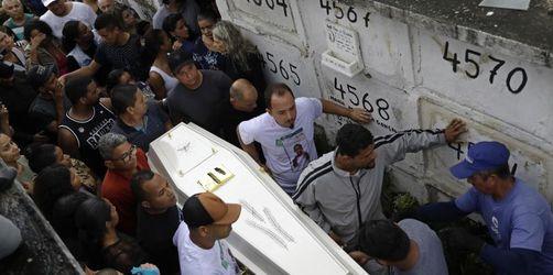 Proteste in Rio nach tödlichen Schüssen auf Achtjährige
