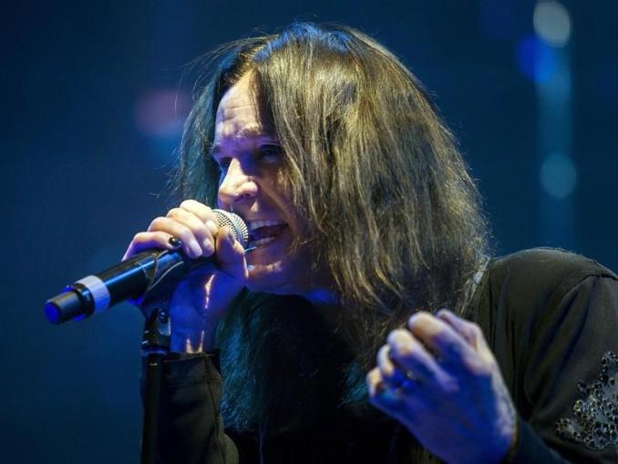 Ozzy Osbourne muss sich noch schonen. /MTI/epa/dpa