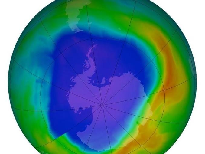 Die Ozonschicht umhüllt die Erde wie ein Schutzschild. Seit Anfang der 80er Jahre beobachteten Wissenschaftler eine Abnahme des Ozons in der Stratosphäre. /dpa