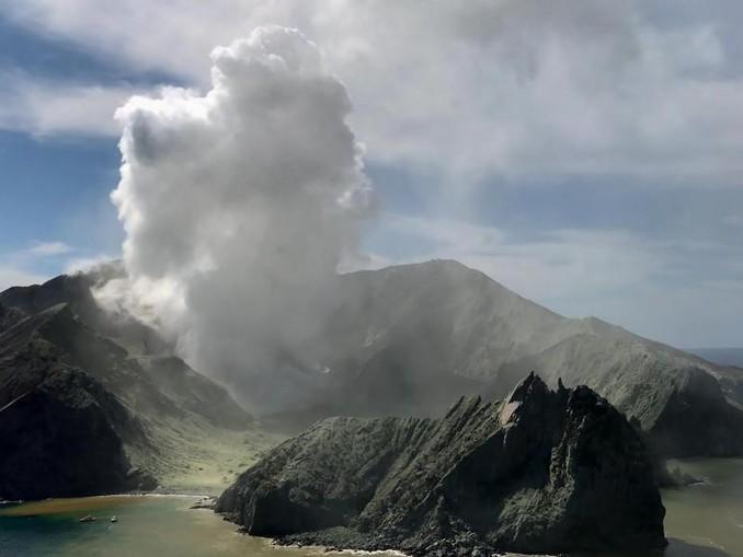 Der Ausbruch des Vulkans auf White Island hat mehrere Menschen das Leben gekostet. /XinHua/dpa