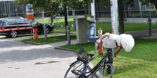 Florian Weiss testet den Fahrrad-Airbag