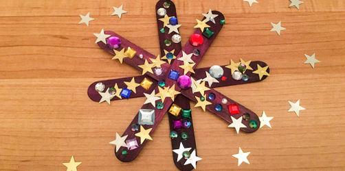 DIY: Glitzerschneeflocken basteln mit Kindern