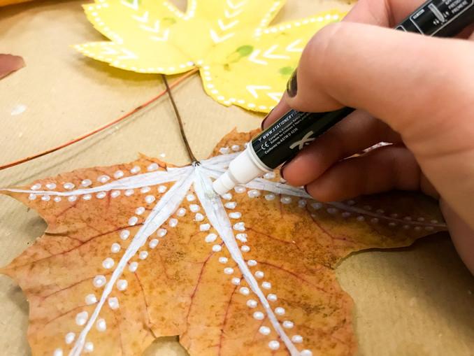 DIY:  Blättermobile im Indie-Herbst-Style